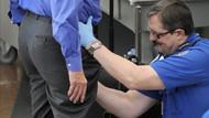 Havalimanı güvenliği abarttı: Bu güvenlik mi yoksa taciz mi?