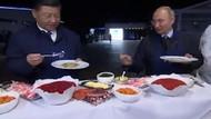 Vladimir Putin ve Şi Cinping krep hazırladı