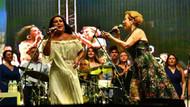 Dünya Barış Günü İzmir'de barış şarkılarıyla kutlandı