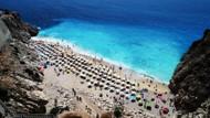 Benzersiz rengiyle bir doğa harikası: Kaputaş Plajı