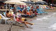 Kasırga Bodrum'u teğet geçti güneşi gören denize koştu