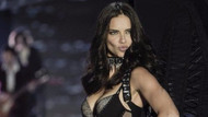 Adriana Lima'nın tahtına göz diken Rus model Dasha Kina şöhretini artırıyor