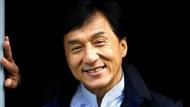 Jackie Chan İran'ı karıştırdı! Sevişme sahneleri kovdurdu