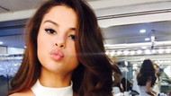 Selena Gomez sosyal medyaya geri döndü