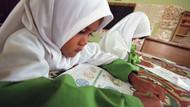Malezya derslerini değiştiriyor! İlişkiye girmek çocuklara ayıplanmayacak