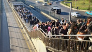 İBB her gün Altunizade durağına 3 boş metrobüs gönderecek