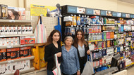 Şok Marketler'den Dilara ve Serra'nın Ben de varım projesine destek