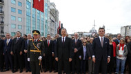İmamoğlu'ndan Taksim Meydanı'nda Cumhuriyet yürüyüşü