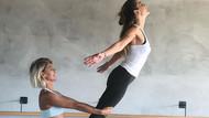 Gökçe Bahadır hem boks hem yoga yapıyor