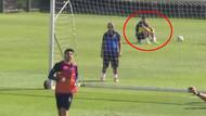 Fenerbahçelileri üzen görüntü! Mehmet Ekici idmanı kale arkasında izledi