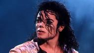 Cinsel tacizle suçlanan Michael Jackson yaşıyor iddiası!