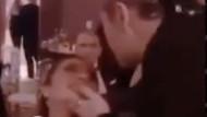 Sıla ve sevgilisi Hazer Amani dudak dudağa