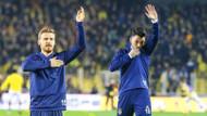 Serdar Aziz ve Tolgay Arslan Fenerbahçe armasını öptü