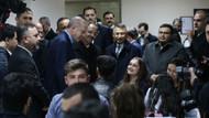 Erdoğan millet kıraathanesi gençleriyle bir arada