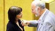 Rusya Meclisinde kadın ve erkek vekillerin şaşırtan halleri