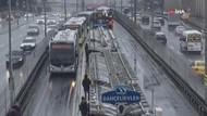 Bahçelievler'de metrobüsler çarpıştı: Yaralılar var