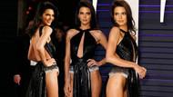 Kendall Jenner Vanity Fair partisindeki dekoltesiyle hayran bıraktı