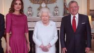 Kraliçe Elizabeth'in elindeki morluk endişelendirdi