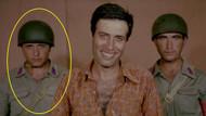Kibar Feyzo'da Kemal Sunal'ın arkasındaki asker kim çıktı?