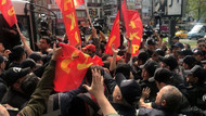 1 Mayıs'ta Taksim'e yürümek isteyen gruba polis müdahalesi! Gözaltılar var