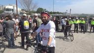Bisikletliler miting alanına alınmadı