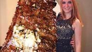Genç kadının photoshop intikamı: Ayrıldığı sevgilisinin yerine biftek koydu