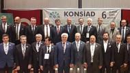 Ahmet Davutoğlu sahaya indi: Allah yolumuzu açık etsin