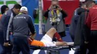 Galatasaray'da Emre Akbaba sakatlık geçirdi iki takımın futbolcuları gözyaşlarını tutamadı