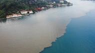 İstanbul Boğazı'na çamur aktı