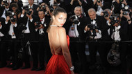 Bella Hadid'den Suudi Arabistan ve Birleşik Arap Emirlikleri'ne özür