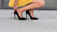 Japon kadınlar ofiste yüksek topuklu ayakkabıya savaş açtı: #KuToo