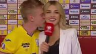 Oleksandr Zinchenko'dan kadın muhabire şok öpücük!