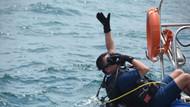 Tarım ve Orman Bakanı Pakdemirli, dalış yapıp denizde çöp topladı