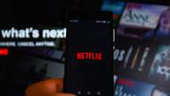 Akit Netflix'i hedef aldı: Sapkınlık diz boyu!