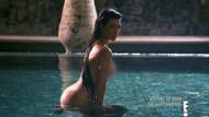 Kourtney Kardashian havuz başında çıplak poz verdi