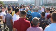 Kadıköy'de sokakta kurban kesmek isteyenlere zabıta ve polis müdahalesi