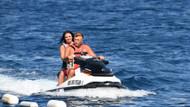 Nuri Alço Bodrum'da kendisinden 33 yaş küçük sevgilisiyle tatil yapıyor