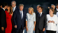 G7 zirvesine Melania Trump-Justin Trudeau öpücüğü damga vurdu!