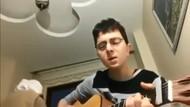 Gitarlı gençle, yavrum namaz kıl diyen ninesi sosyal medyanın diline düştü!