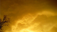 Denizli'de deprem anında yükselen sarı bulut korkuttu