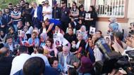 Sanatçılardan Diyarbakır'da oturma eylemi yapan ailelere destek ziyareti