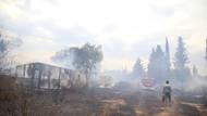 Sosyal medyadan canlı izledikleri yangına bidonlarla koştular