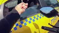 Trafikte şoke eden görüntüler! Yanına yaklaşıp kadının elini tuttu ve...