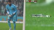 Futbolu bırakan Volkan Demirel'e tribünlerden atılmış en ilginç maddeler