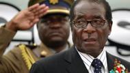 Robert Mugabe özgürlük savaşçısından nasıl diktatöre dönüştü?