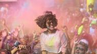 İstanbul'da eğlence dolu renkli koşu festivali