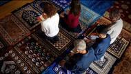 Paris'te iki kadın namazda cemaate imamlık yaptı