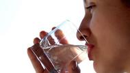 İçtiği şişe sudan sperm çıkınca...