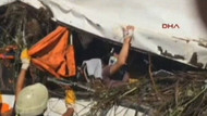 Yolcu otobüsü devrildi: 5'i ağır 40 yaralı