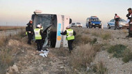 Yolcu otobüsü şarampole devrildi: 33 yaralı!